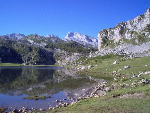 Lago La Ercina Axtur Picos de Europa