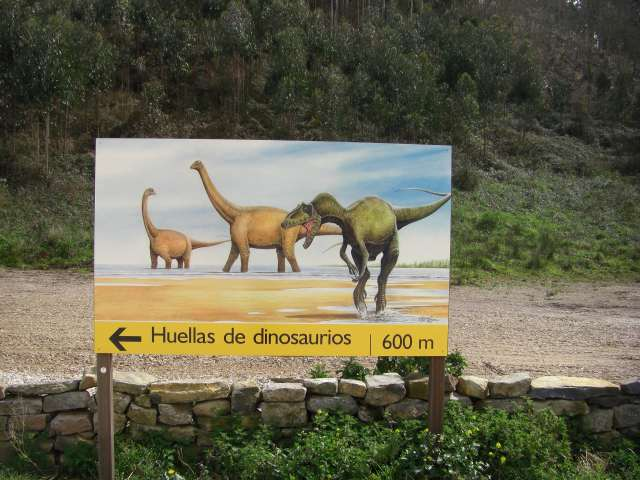 Cartel de la costa de los dinosaurios en asturias