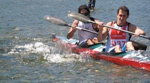 Piragüistas compiten en las Aguas del Sella
